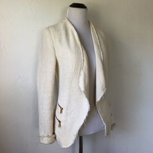 Zara Cream Blazer looks like Chanel ;)